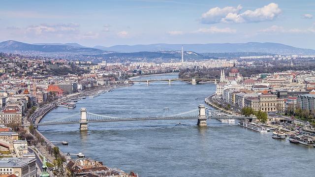 Hidak Budapesten