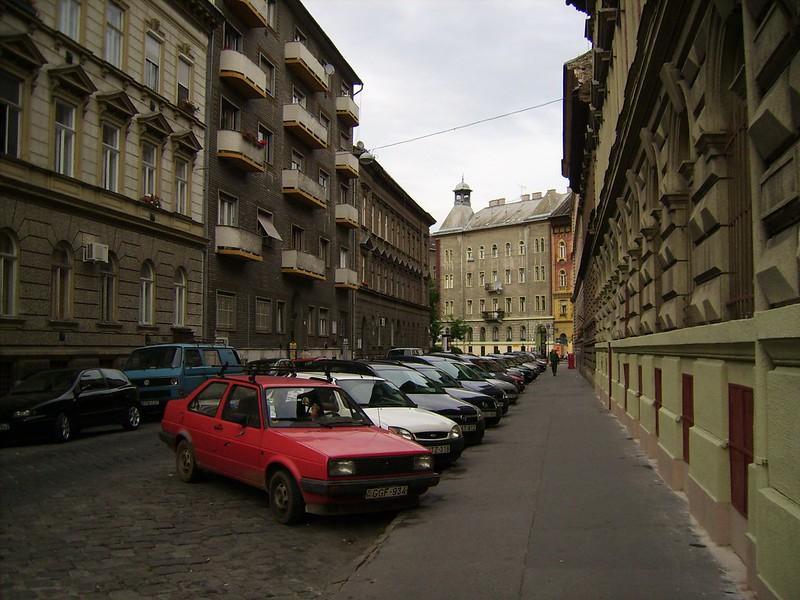 A budapesti kerületek nagy részében tíz lakásvásárlóból három külföldi
